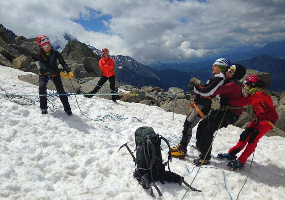 Reportage France 3 sur le GFHM, les filles en montagne