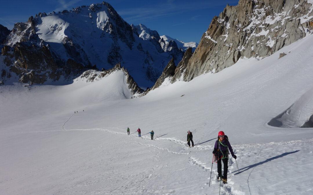 GAF74- Youpi ! Encore des filles en montagne!