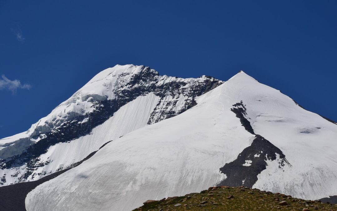 Des 8000 et des femmes – histoire d'alpinisme au féminin