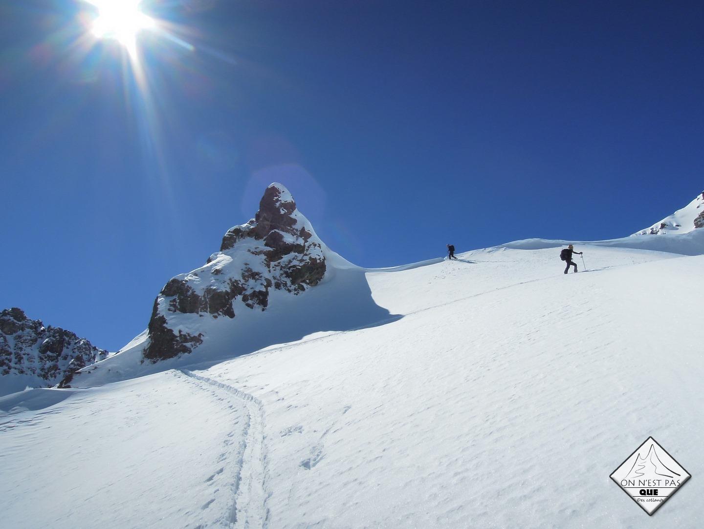 IRAN Expedition en ski de randonnee Iran nourouski https://pasquedescollants.com blog montagne et sport outdoor