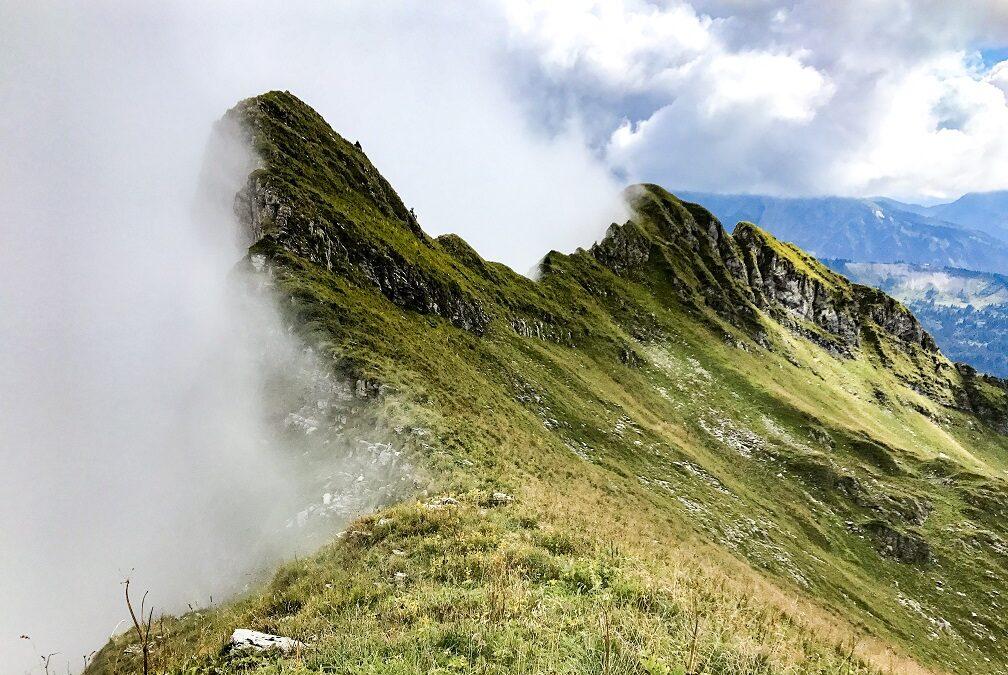 La traversée des arêtes d' entre deux Pertuis – randonnée
